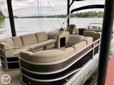 Godfrey Sweetwater Premium Edition 255 WB, 25', for sale - $31,500