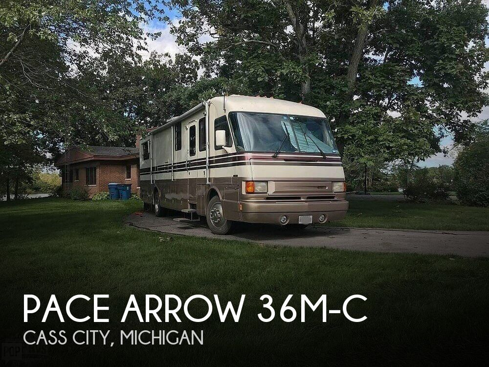 1993 Fleetwood Pace Arrow 37