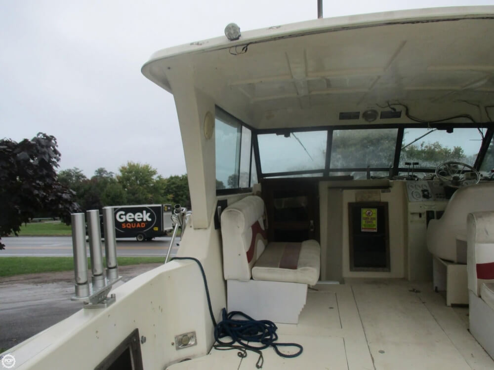 1990 Baha Cruisers boat for sale, model of the boat is 310 Sport Fisherman & Image # 23 of 41