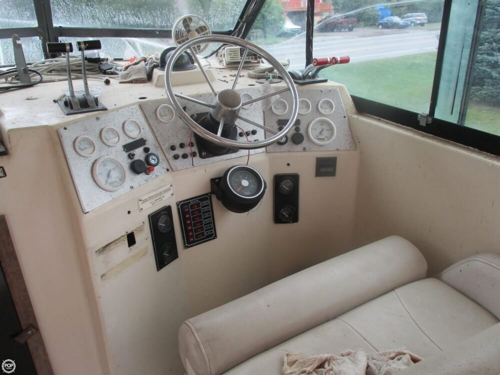 1990 Baha Cruisers boat for sale, model of the boat is 310 Sport Fisherman & Image # 25 of 41
