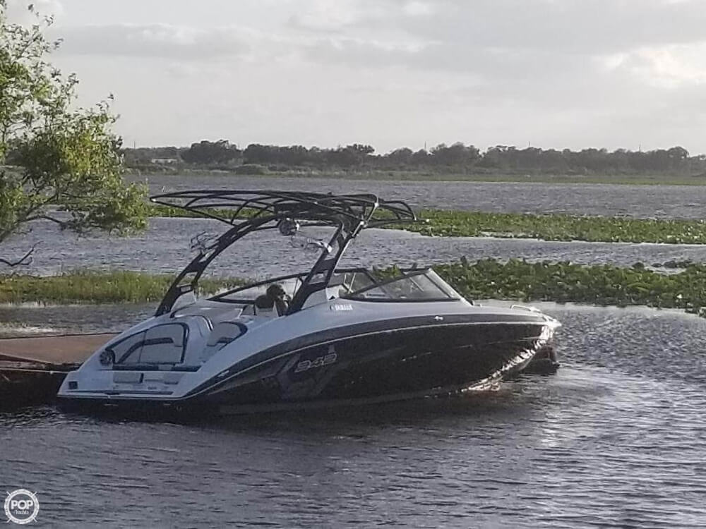 2017 Yamaha boat for sale, model of the boat is 242X E & Image # 2 of 40