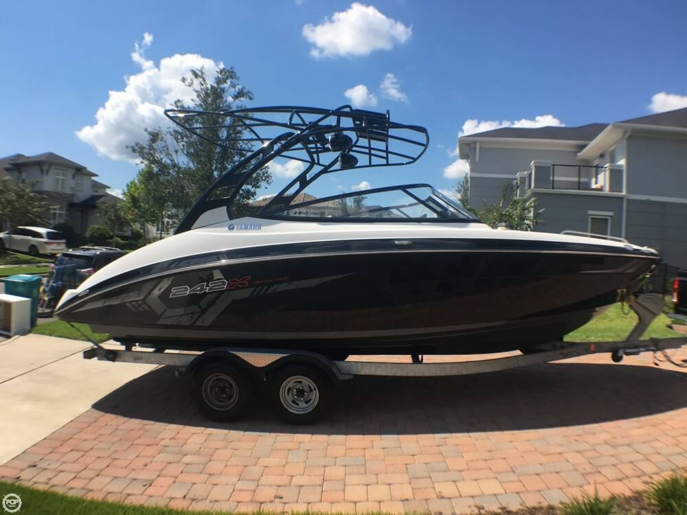 2017 Yamaha boat for sale, model of the boat is 242X E & Image # 10 of 40