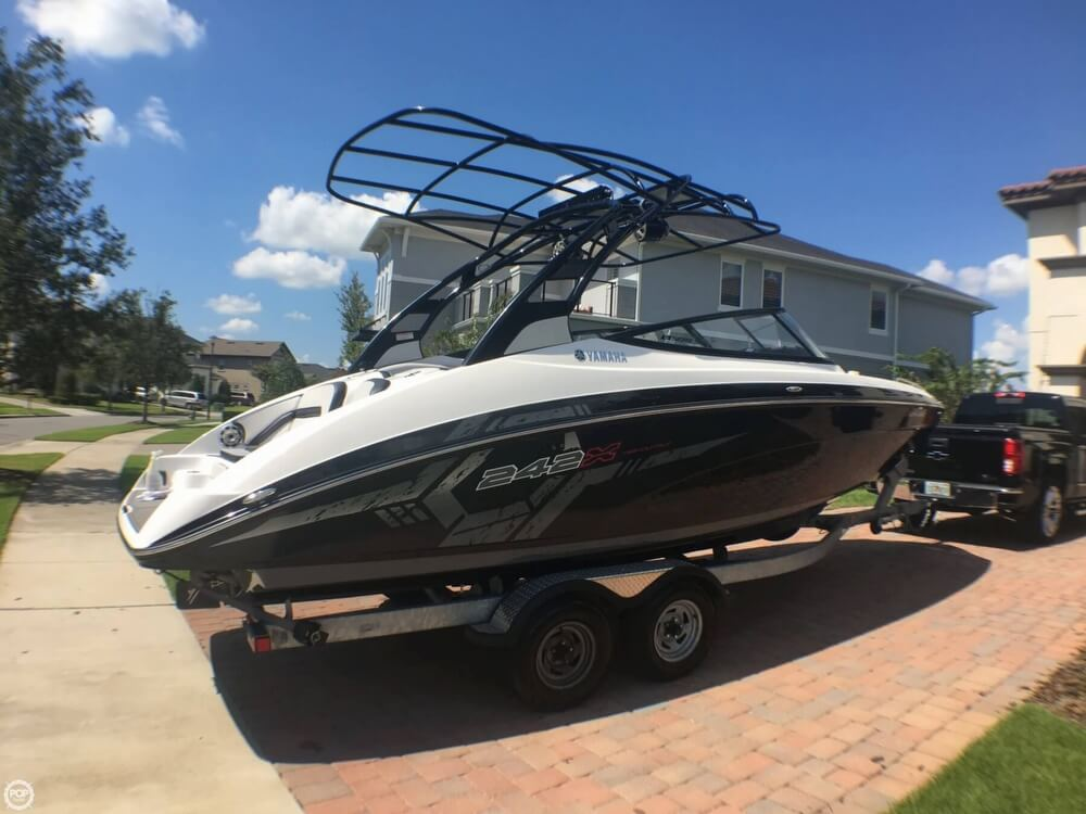 2017 Yamaha boat for sale, model of the boat is 242X E & Image # 11 of 40