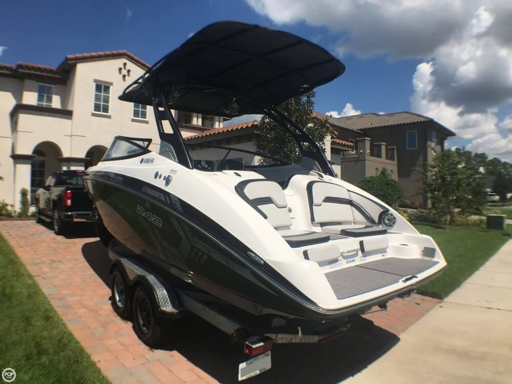 2017 Yamaha boat for sale, model of the boat is 242X E & Image # 17 of 40