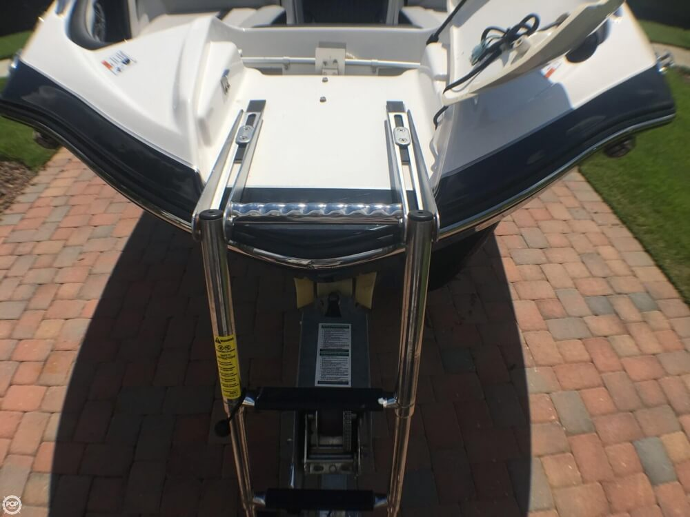 2017 Yamaha boat for sale, model of the boat is 242X E & Image # 26 of 40