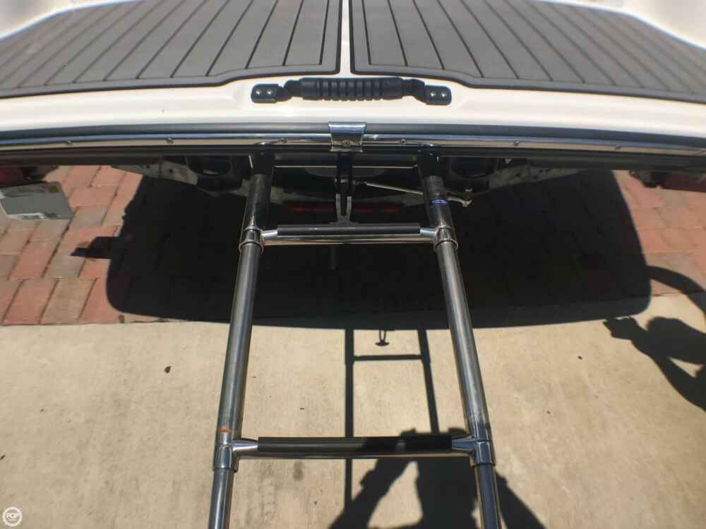 2017 Yamaha boat for sale, model of the boat is 242X E & Image # 39 of 40
