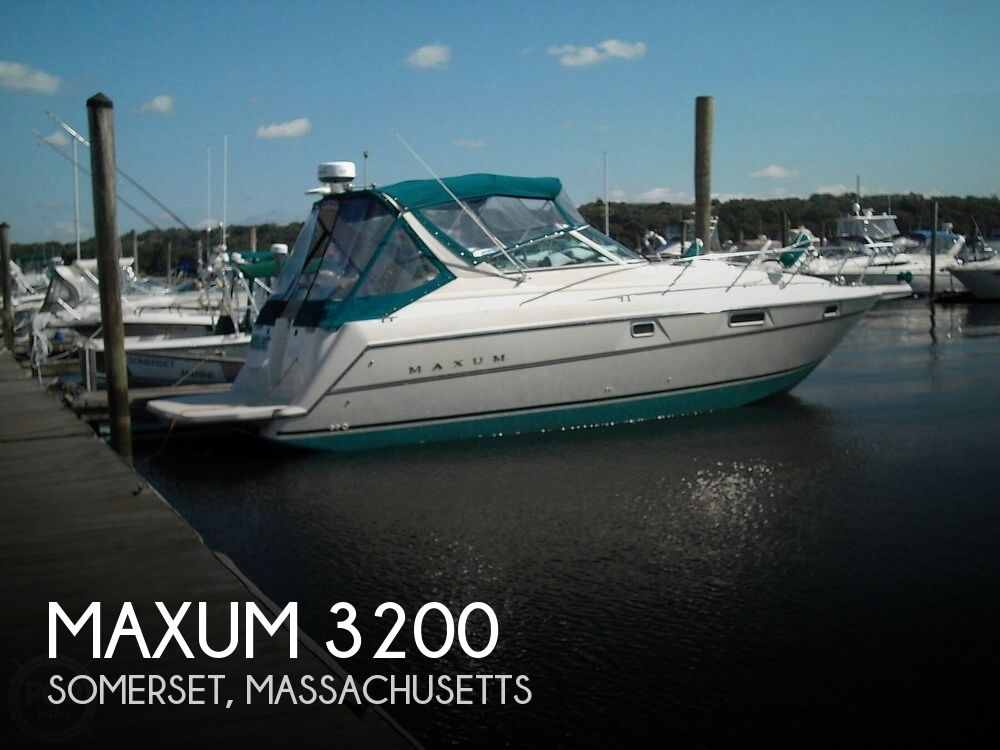 1996 Maxum boat for sale, model of the boat is 3200 & Image # 1 of 17
