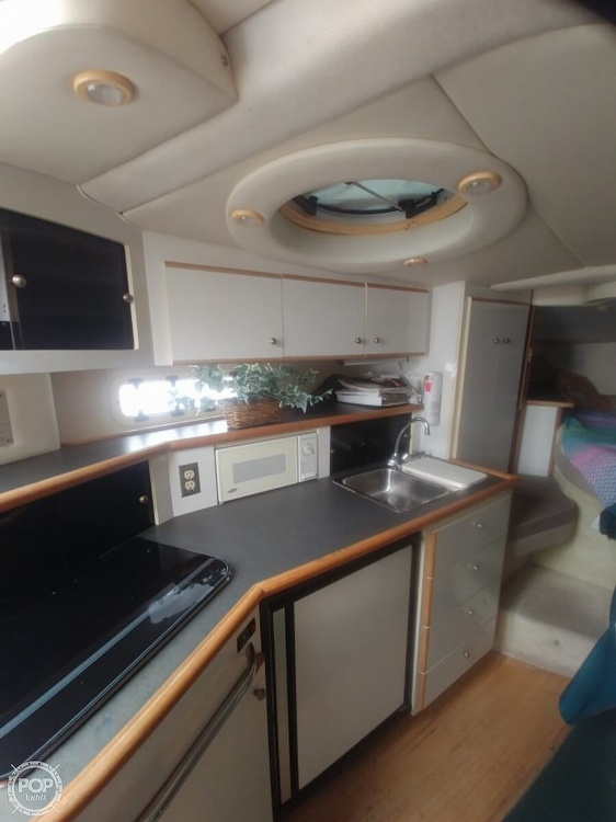 1996 Maxum boat for sale, model of the boat is 3200 & Image # 8 of 17