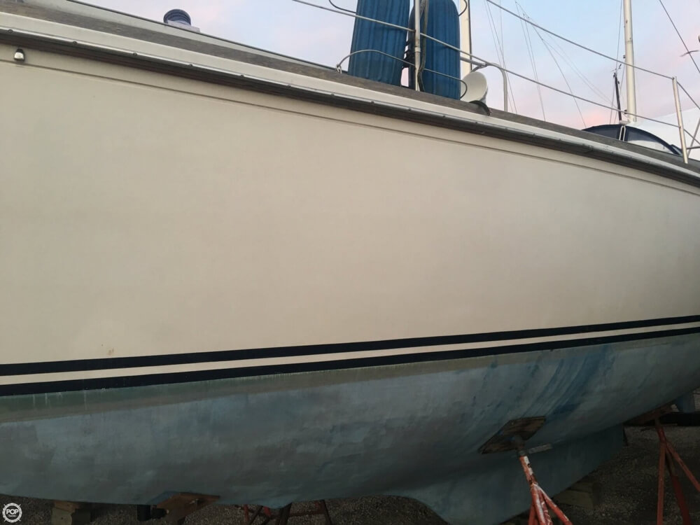 1983 Bristol Boats boat for sale, model of the boat is 35.5C & Image # 36 of 40