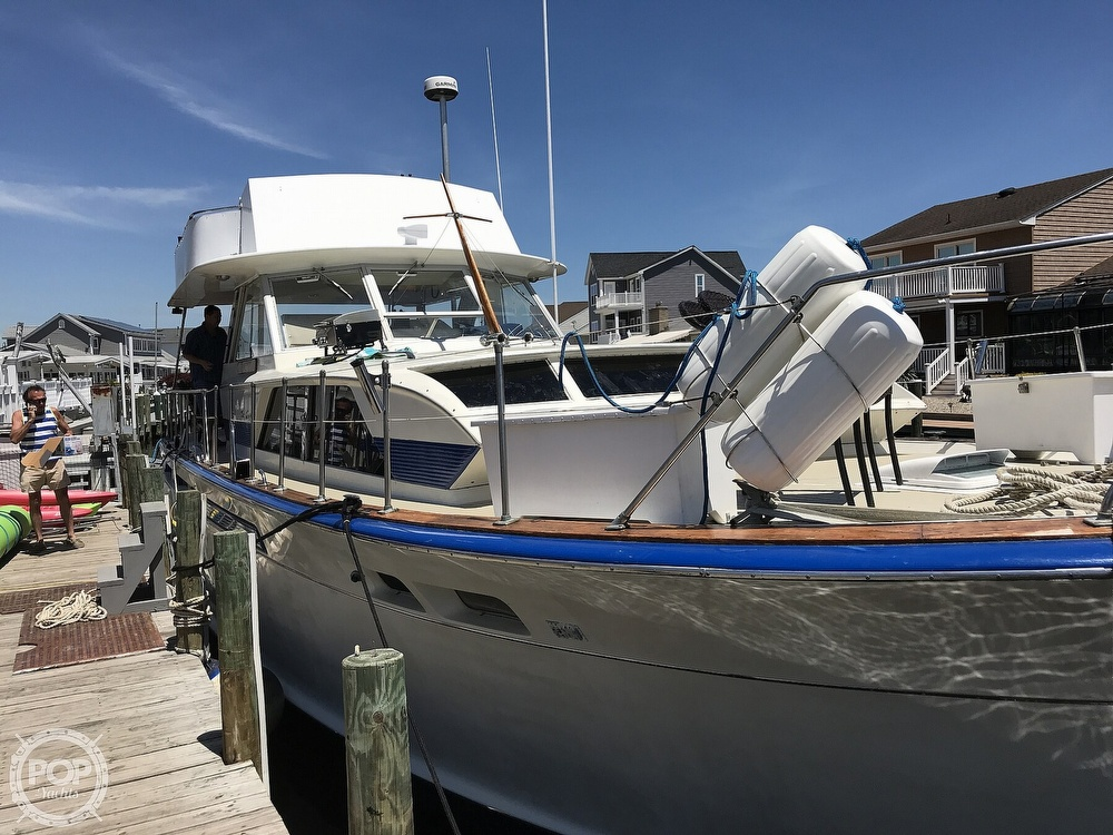 1970 Chris Craft boat for sale, model of the boat is 47 Commander & Image # 5 of 40