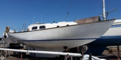 Pearson Vanguard 33, 32', for sale - $7,500