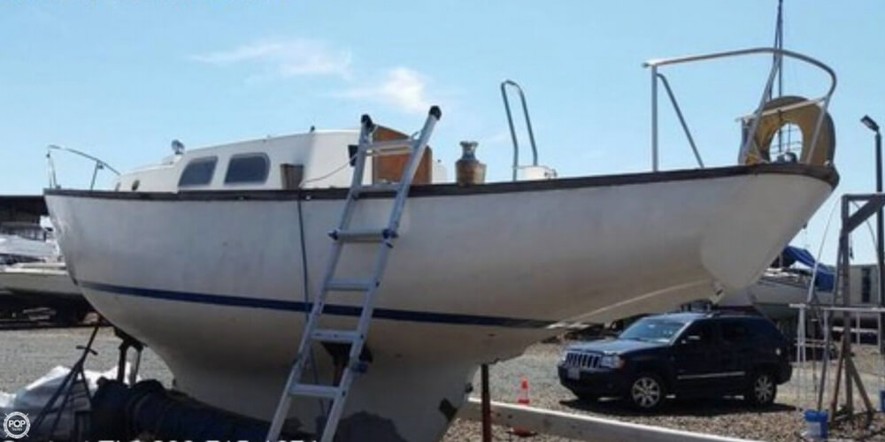 1966 Pearson boat for sale, model of the boat is Vanguard 33 & Image # 2 of 40