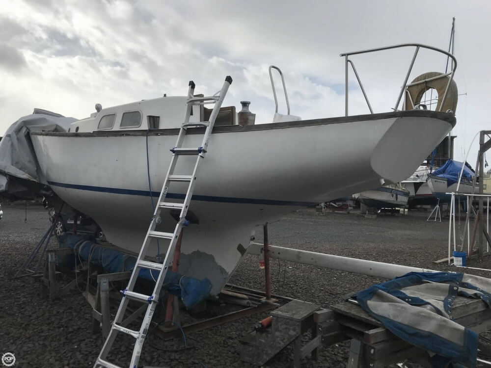 1966 Pearson boat for sale, model of the boat is Vanguard 33 & Image # 10 of 40