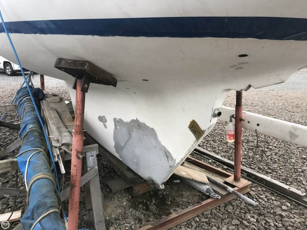 1966 Pearson boat for sale, model of the boat is Vanguard 33 & Image # 11 of 40