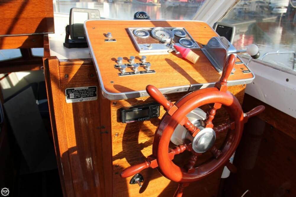 1969 Lyman boat for sale, model of the boat is 26 Express Cruiser & Image # 13 of 40