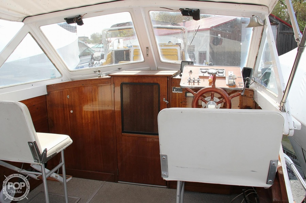 1969 Lyman boat for sale, model of the boat is 26 Express Cruiser & Image # 3 of 40