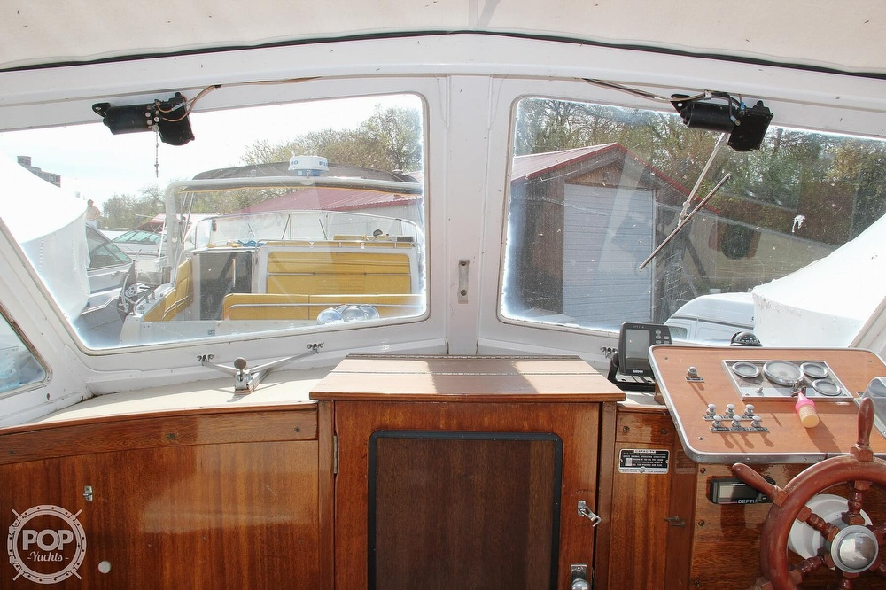 1969 Lyman boat for sale, model of the boat is 26 Express Cruiser & Image # 34 of 40