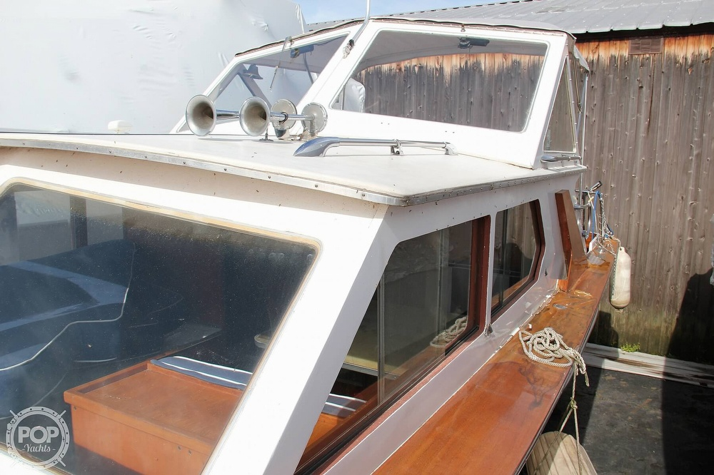 1969 Lyman boat for sale, model of the boat is 26 Express Cruiser & Image # 22 of 40