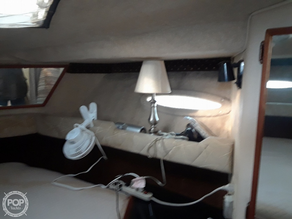 1985 Sea Ray boat for sale, model of the boat is 300 Sedan Bridge & Image # 25 of 40