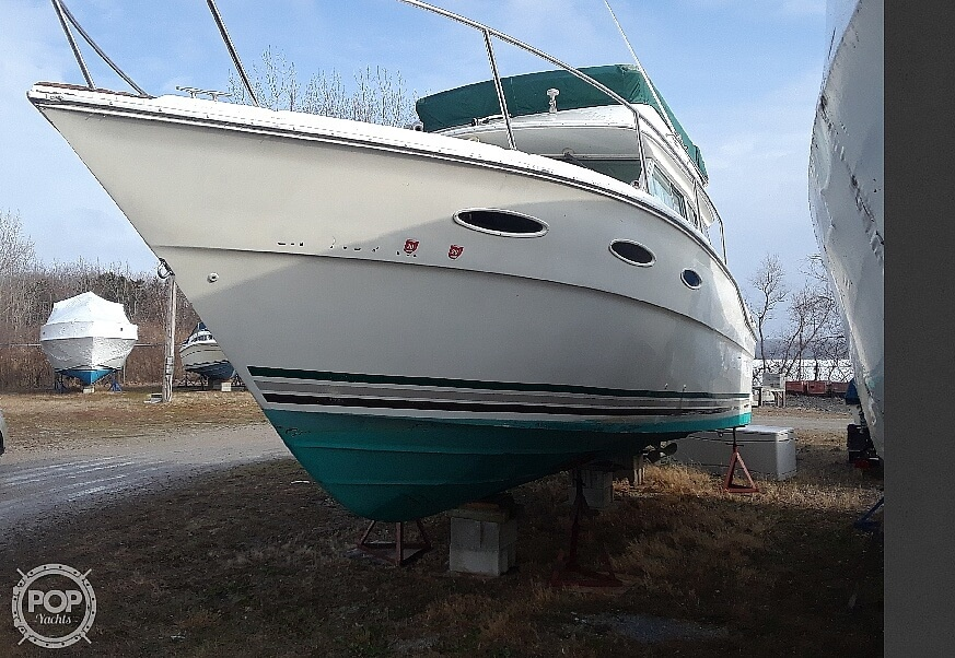 1985 Sea Ray boat for sale, model of the boat is 300 Sedan Bridge & Image # 4 of 40