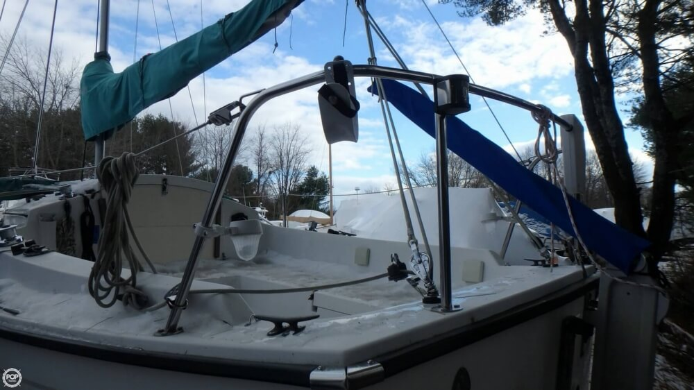 1994 Com-Pac boat for sale, model of the boat is 23-3 & Image # 24 of 40