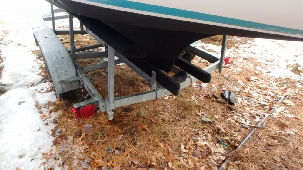 1994 Com-Pac boat for sale, model of the boat is 23-3 & Image # 25 of 40