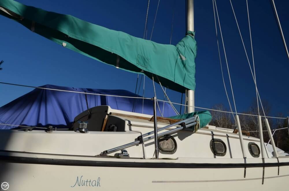 1994 Com-Pac boat for sale, model of the boat is 23-3 & Image # 32 of 40