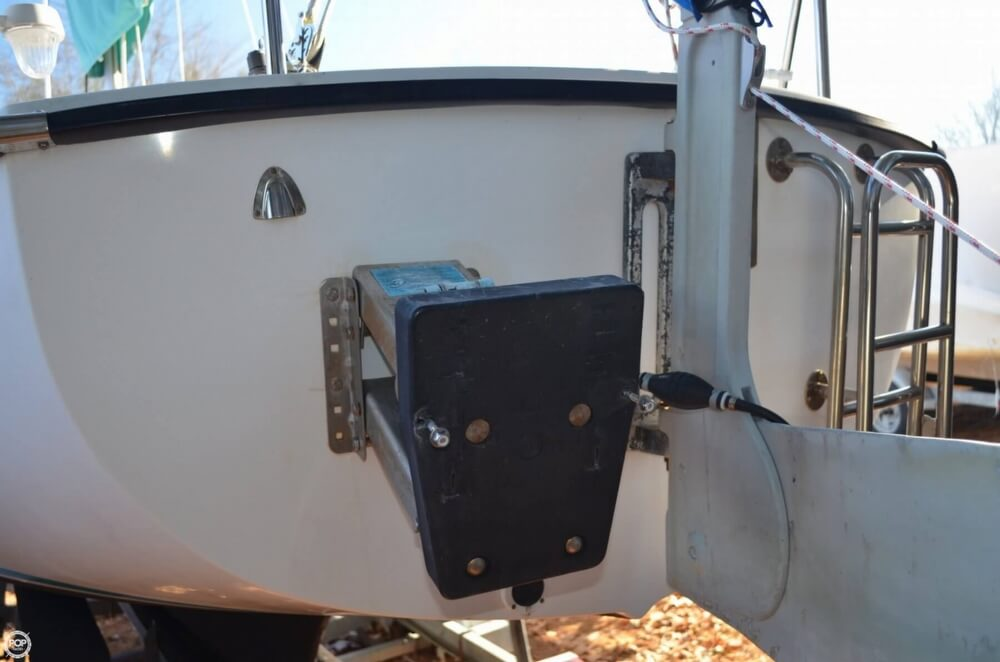 1994 Com-Pac boat for sale, model of the boat is 23-3 & Image # 37 of 40