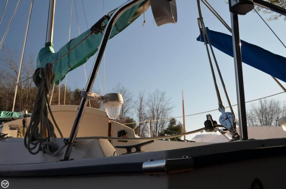 1994 Com-Pac boat for sale, model of the boat is 23-3 & Image # 38 of 40