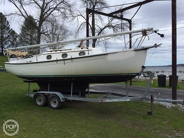 1994 Com-Pac boat for sale, model of the boat is 23-3 & Image # 4 of 40