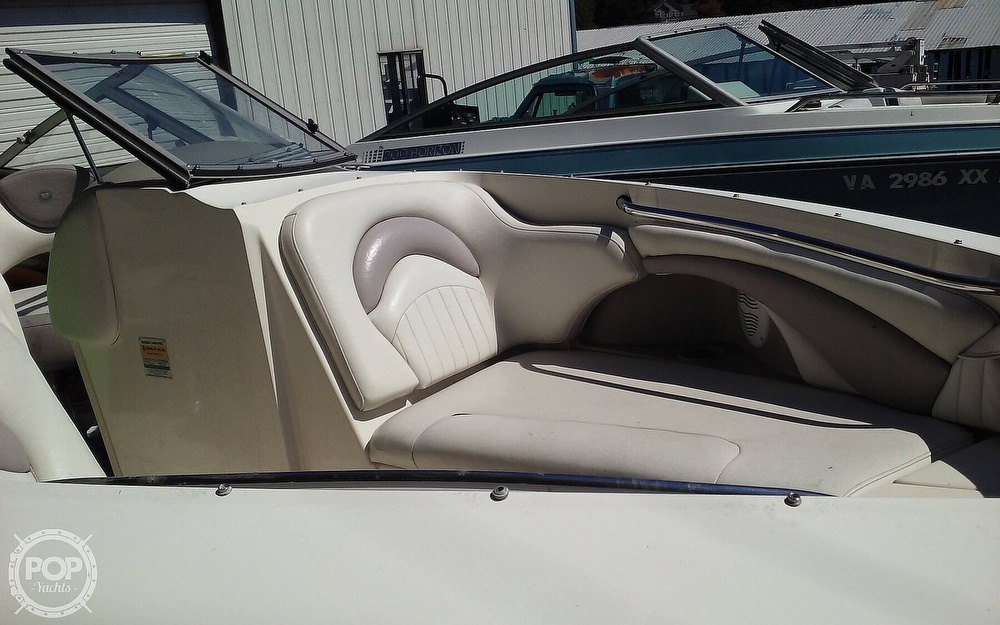 2005 Stingray boat for sale, model of the boat is 230LX & Image # 11 of 41
