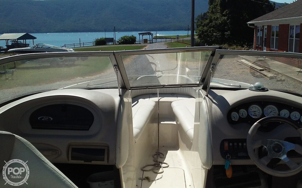 2005 Stingray boat for sale, model of the boat is 230LX & Image # 7 of 41
