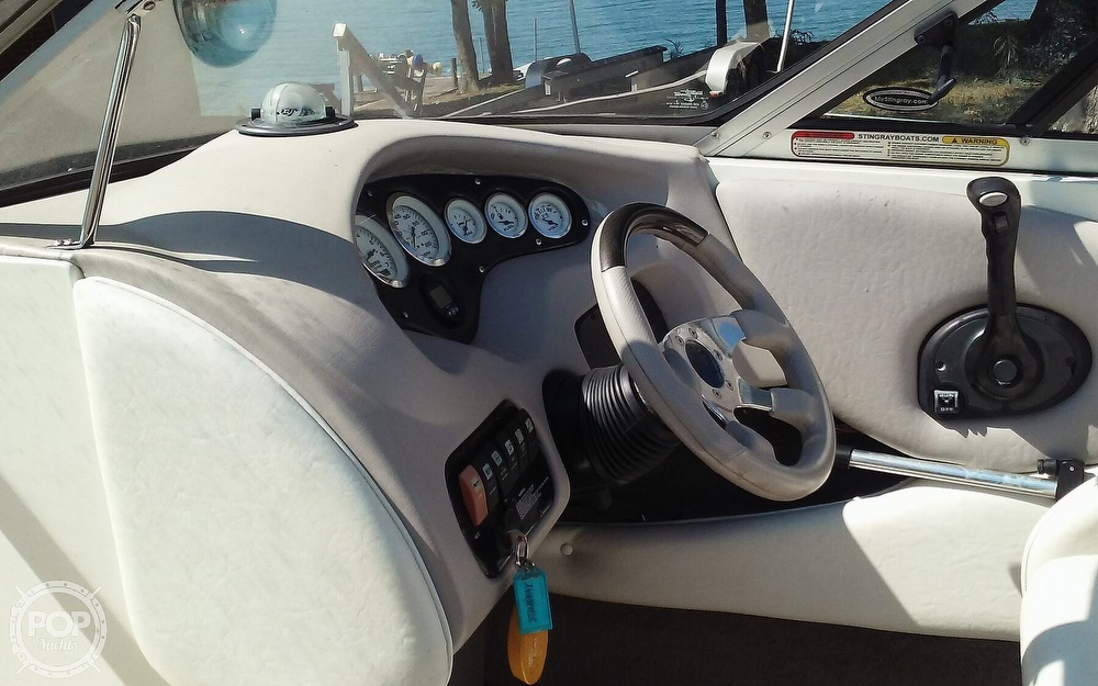 2005 Stingray boat for sale, model of the boat is 230LX & Image # 28 of 41