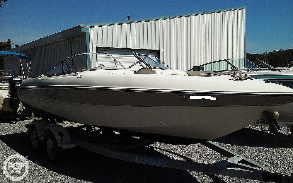 2005 Stingray boat for sale, model of the boat is 230LX & Image # 3 of 41