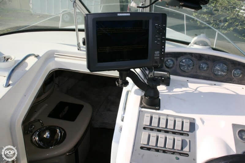 1996 Sea Ray boat for sale, model of the boat is 270 SUNDANCER & Image # 7 of 31