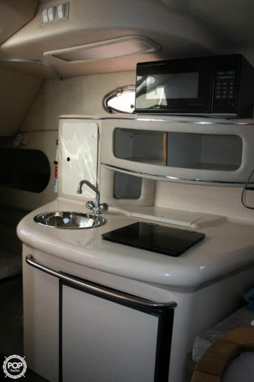 1996 Sea Ray boat for sale, model of the boat is 270 SUNDANCER & Image # 9 of 31