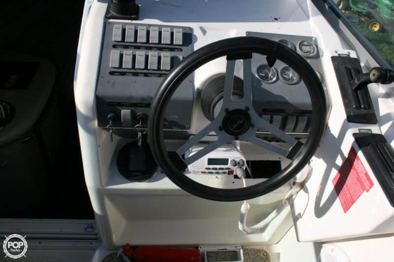 1996 Sea Ray boat for sale, model of the boat is 270 SUNDANCER & Image # 20 of 31