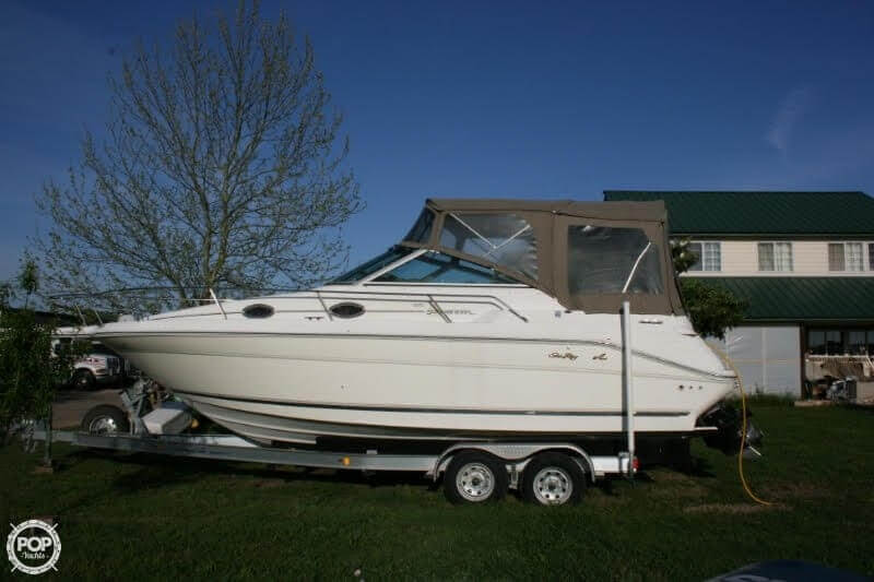 1996 Sea Ray boat for sale, model of the boat is 270 SUNDANCER & Image # 25 of 31