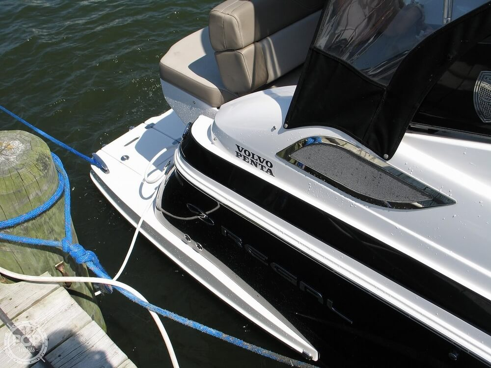 2014 Regal boat for sale, model of the boat is 28 Express & Image # 18 of 40