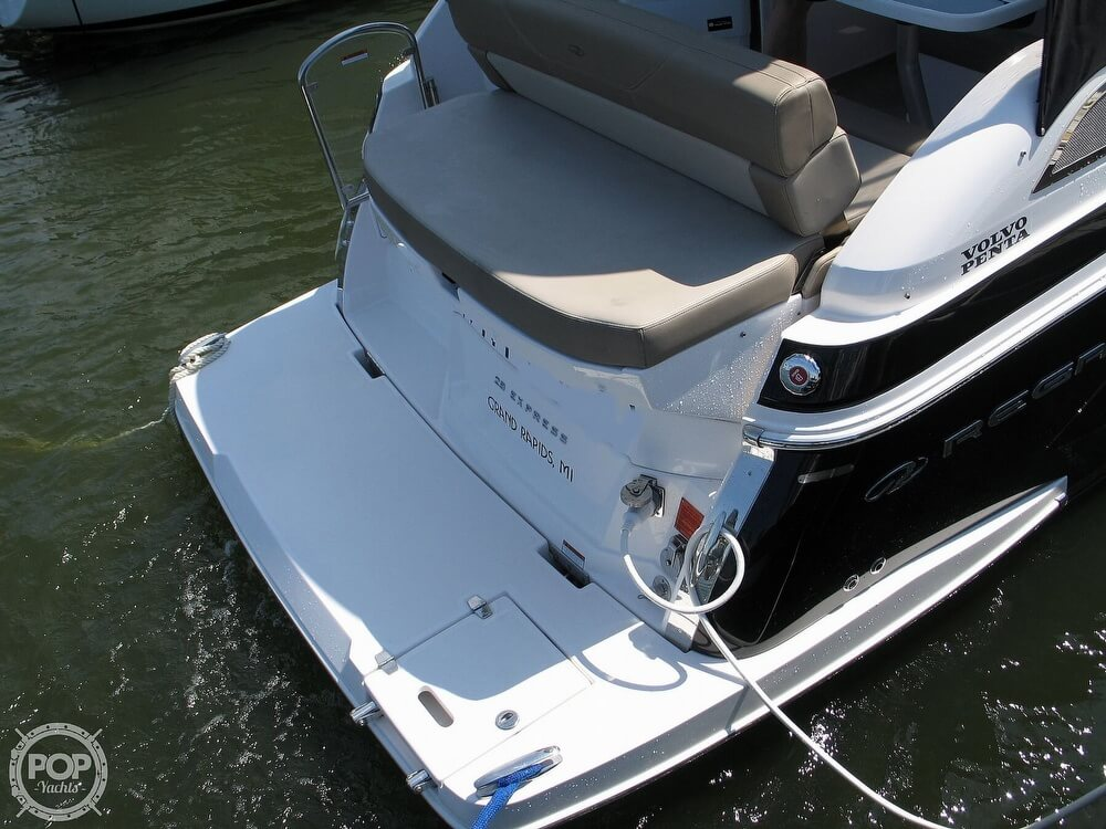 2014 Regal boat for sale, model of the boat is 28 Express & Image # 20 of 40