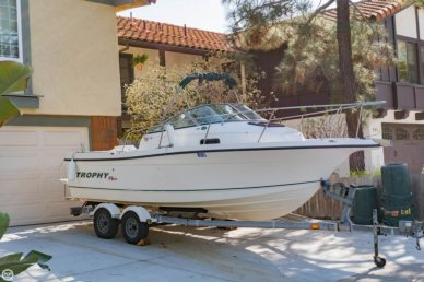 Trophy Pro 2052, 21', for sale - $15,000