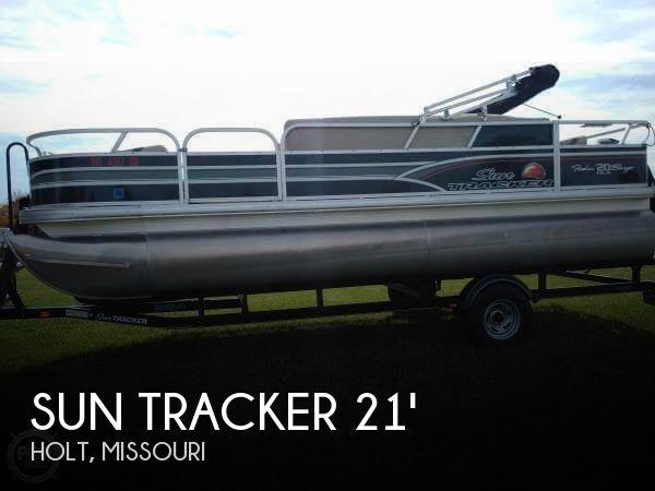 2015 Sun Tracker Fishin Barge 20 DLX Signature For Sale