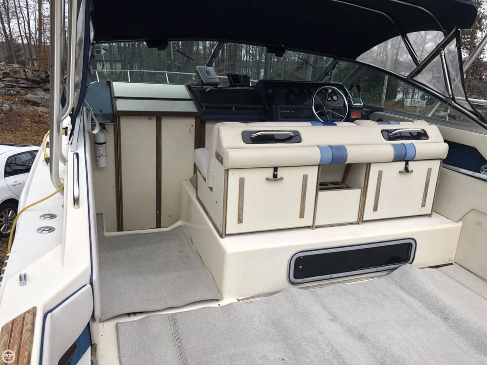 1988 Sea Ray boat for sale, model of the boat is 300 Sundancer & Image # 4 of 40