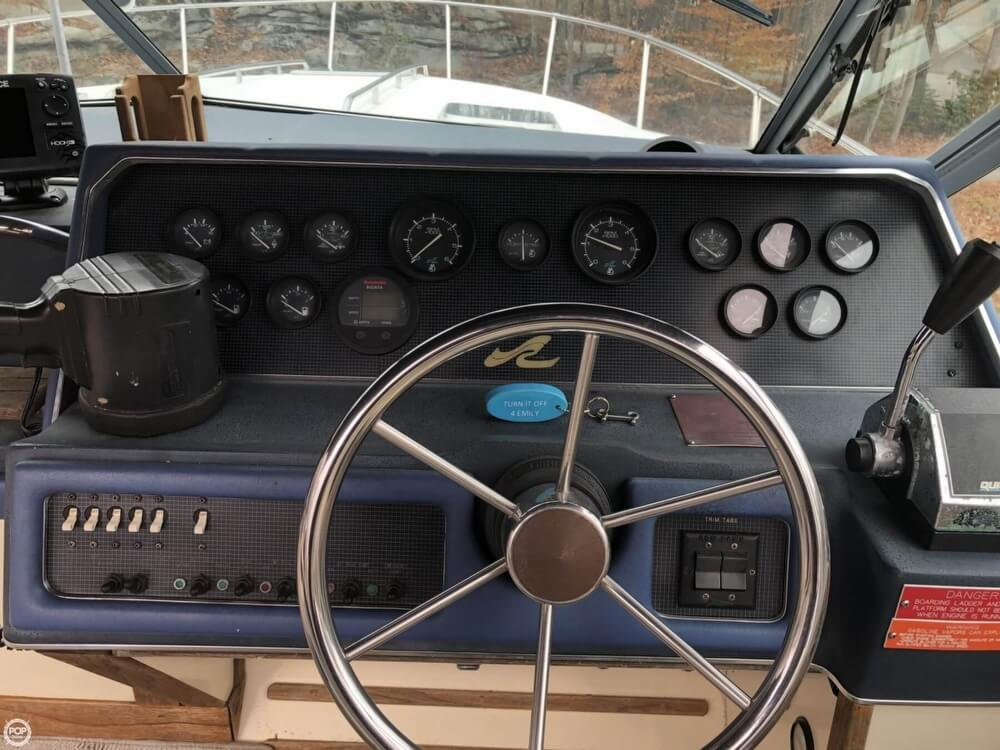 1988 Sea Ray boat for sale, model of the boat is 300 Sundancer & Image # 29 of 40