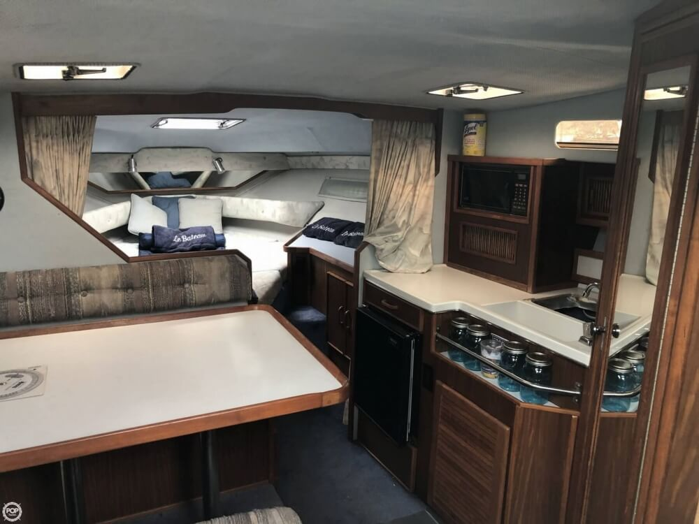 1988 Sea Ray boat for sale, model of the boat is 300 Sundancer & Image # 8 of 40