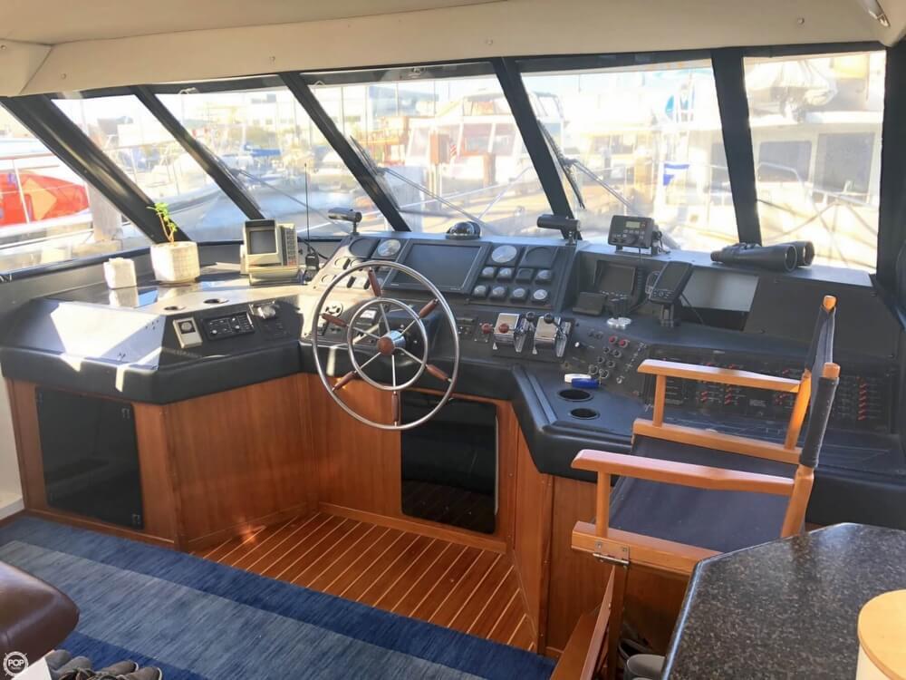 1991 Bayliner 51 - image 5