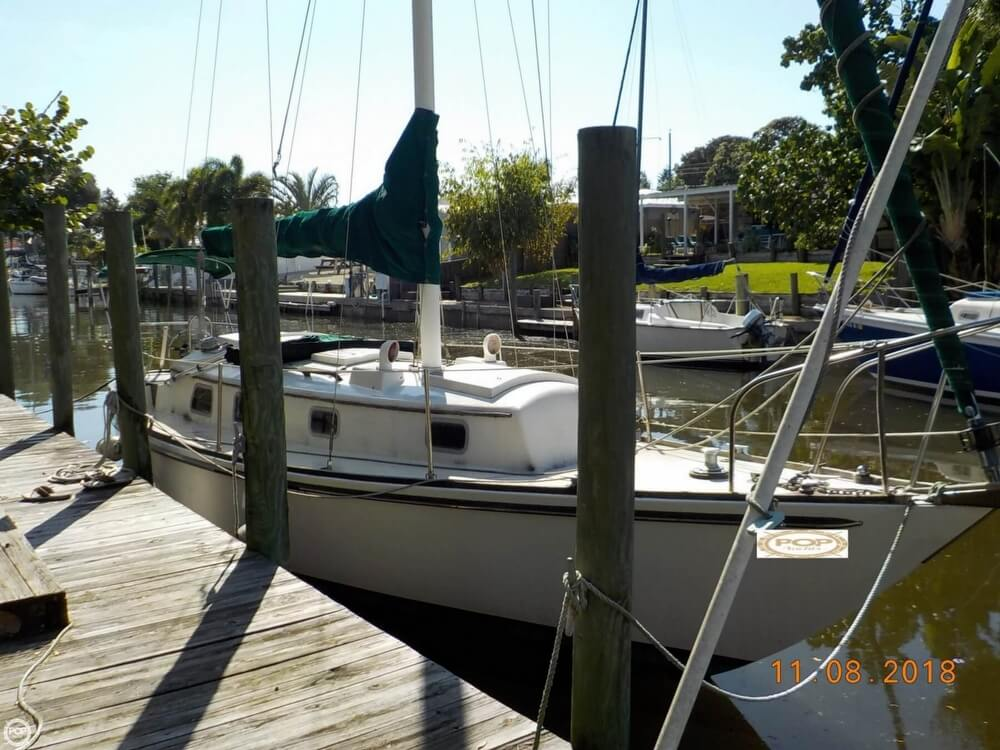 1976 Bristol boat for sale, model of the boat is 32 & Image # 3 of 40