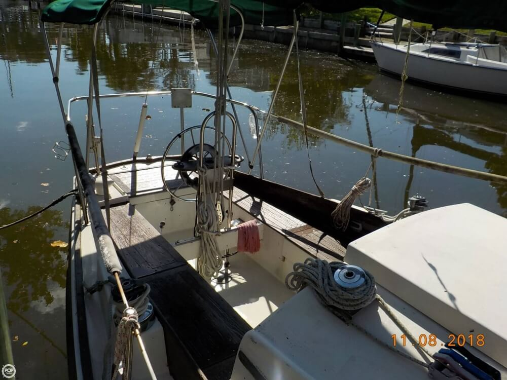 1976 Bristol boat for sale, model of the boat is 32 & Image # 5 of 40