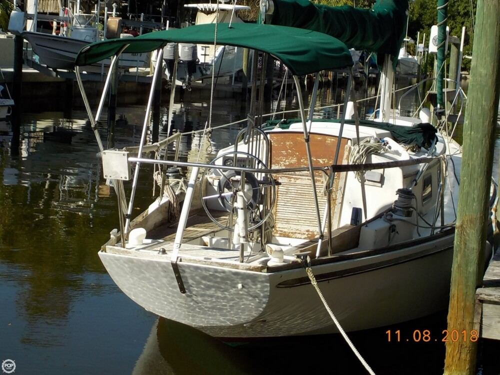 1976 Bristol boat for sale, model of the boat is 32 & Image # 14 of 40