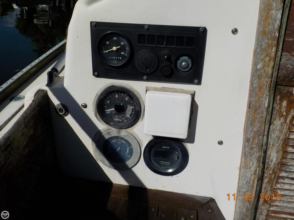 1976 Bristol boat for sale, model of the boat is 32 & Image # 18 of 40